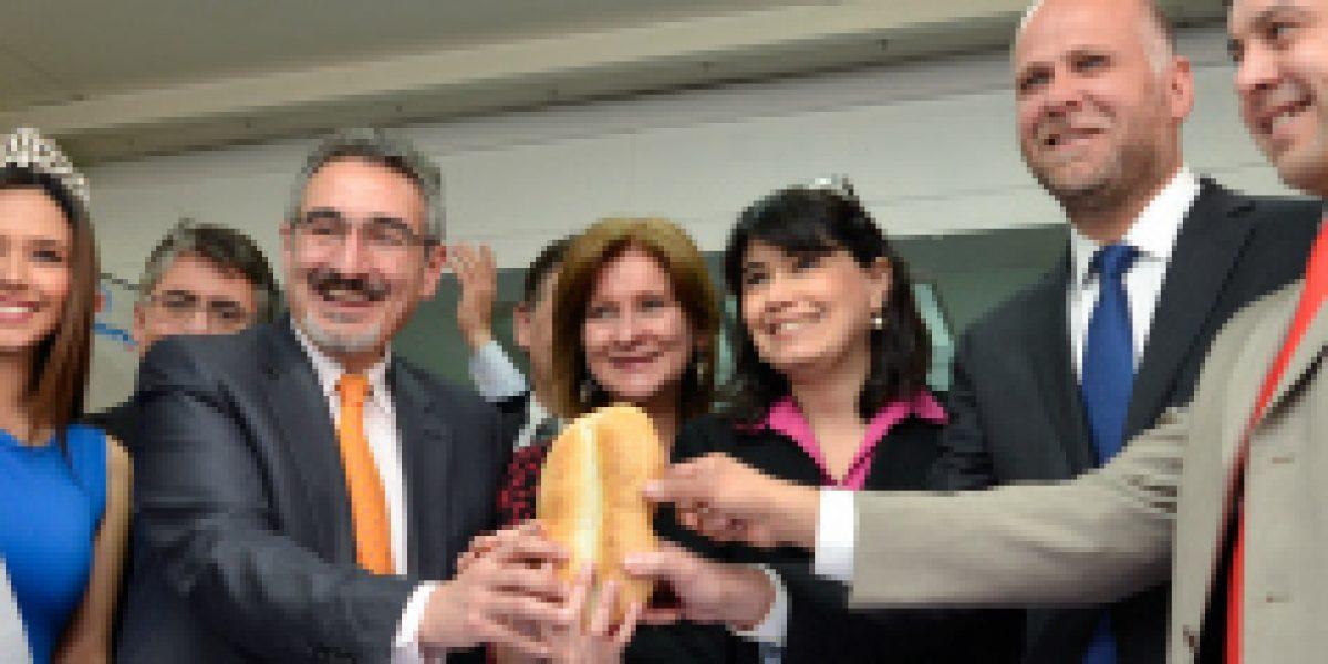 Ministra Javiera Blanco destaca acuerdo público-privado para aumentar la empleabilidad de mujeres y jóvenes en rubro panadería.