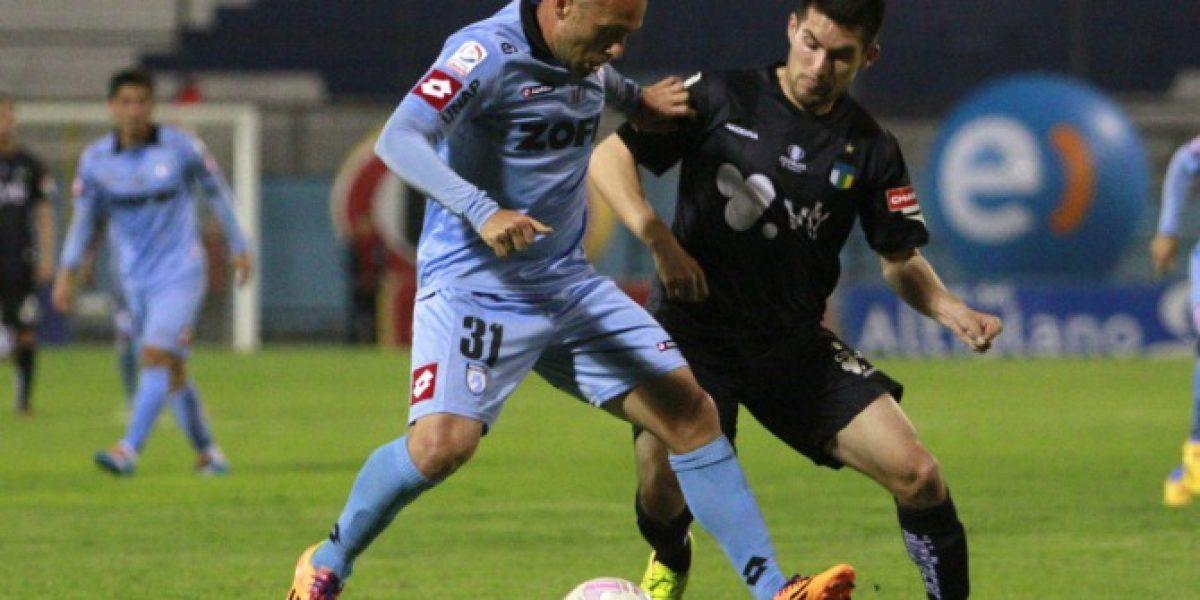 Nelson Acosta se estrenó en el banco de Deportes Iquique con un empate ante O