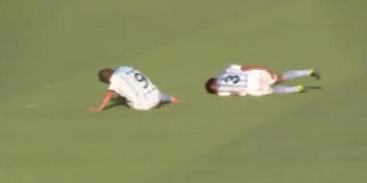 ¡Qué vergüenza! Cinco jugadores de equipo peruano simularon lesiones para suspender partido