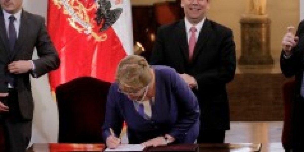 Bachelet firma proyecto que amplía aplicación del Mepco