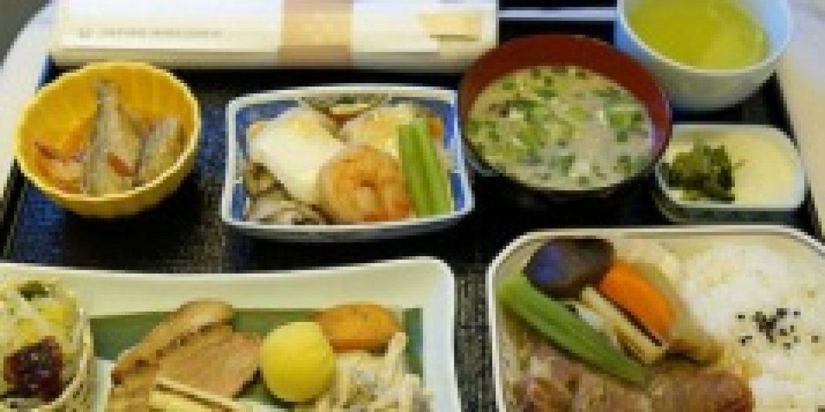 Diez comidas que ofrecen las aerolíneas en el mundo