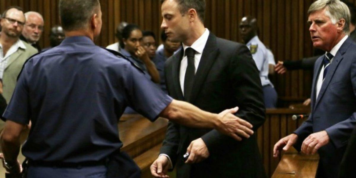 Oscar Pistorius condenado a 5 años de cárcel por matar a su novia