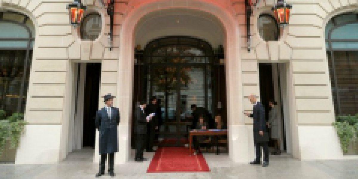 Hotel de lujo en París se encuentra en huelga por dos euros