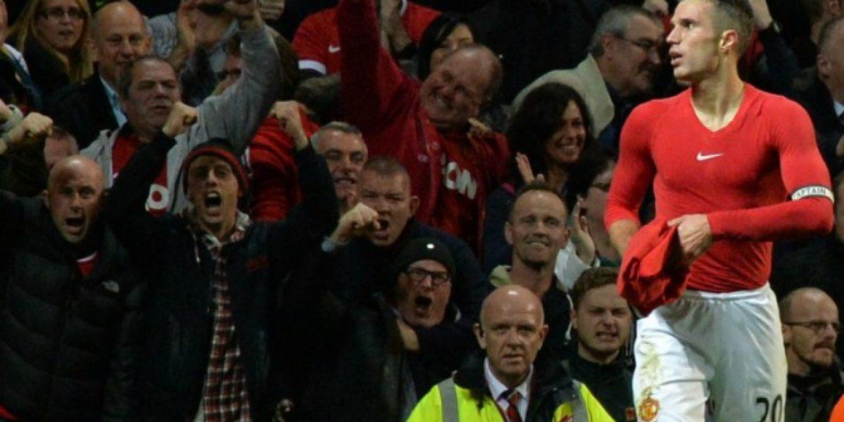 Van Persie rescata un empate para el United en el último suspiro ante el Chelsea