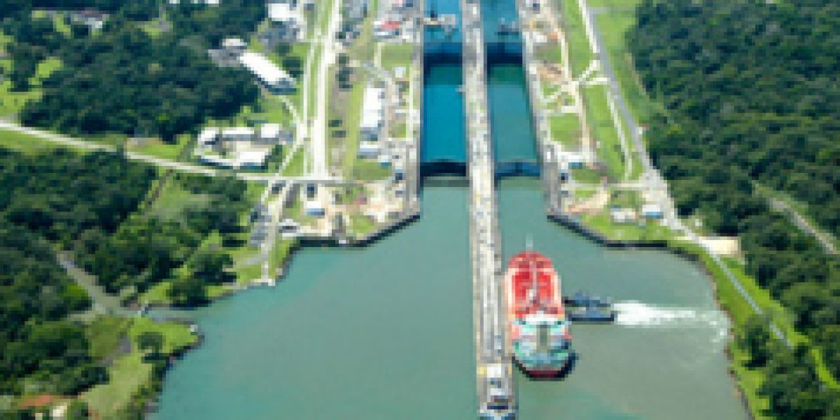 Canal de Panamá bate récord de visitas justo al cumplir cien años operativo