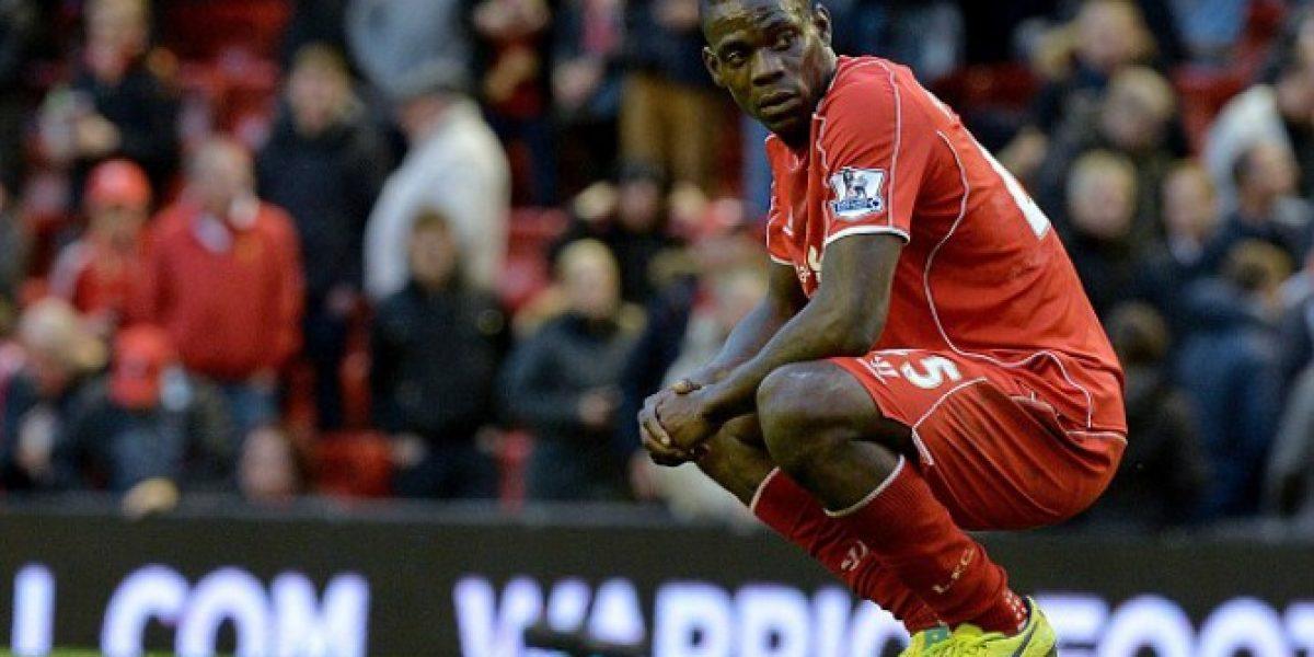 Prensa británica aconseja a Balotelli aprender de Alexis para triunfar en Liverpool
