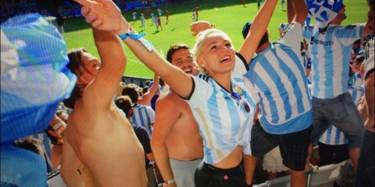 Difunden video de Maradona completamente borracho atacando a su novia