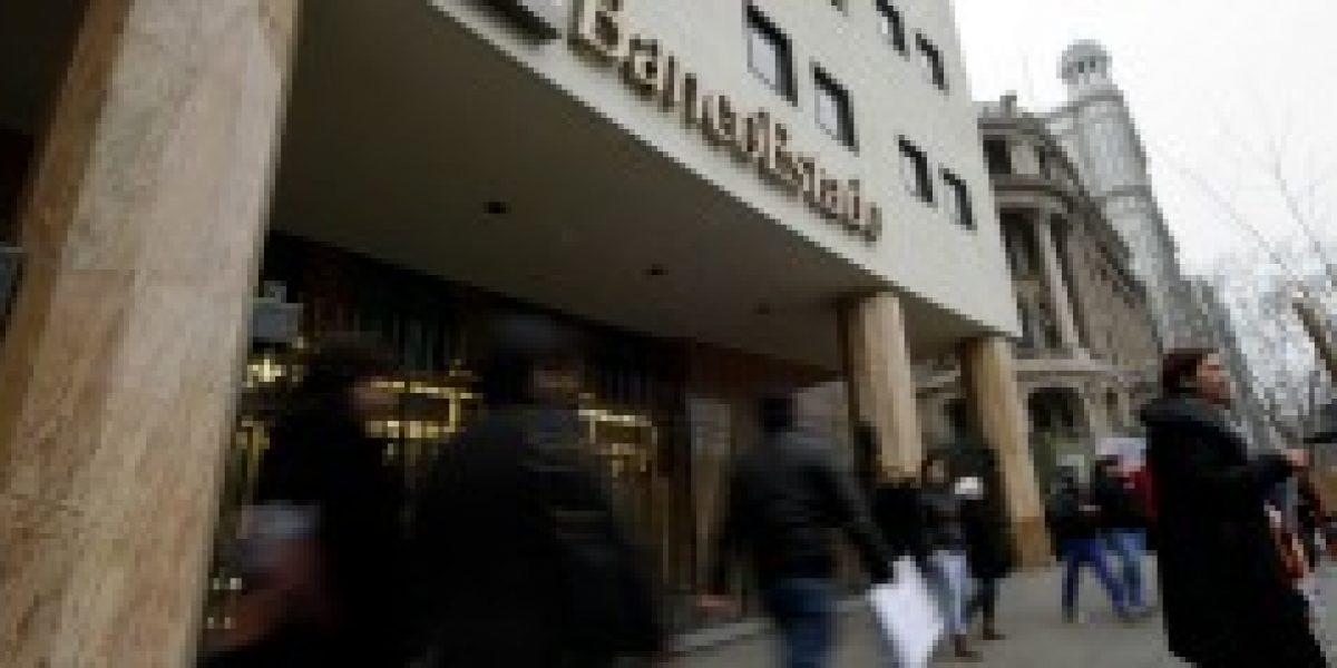Encuesta asegura que el 70% de los clientes están satisfechos con servicio de bancos