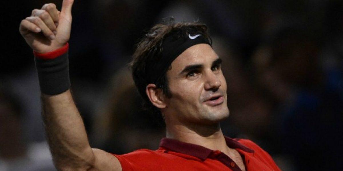 El eterno Federer sigue avanzando en Paris y acecha al número uno