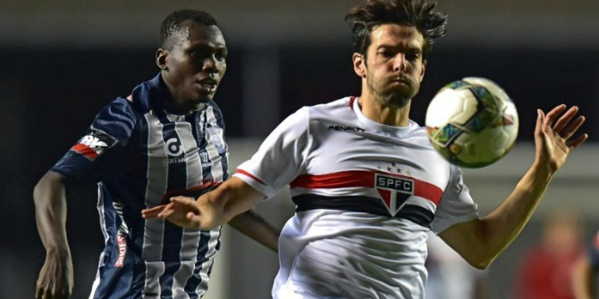 Sao Paulo hizo pesar su categoría ante Emelec, pero pasó un buen susto