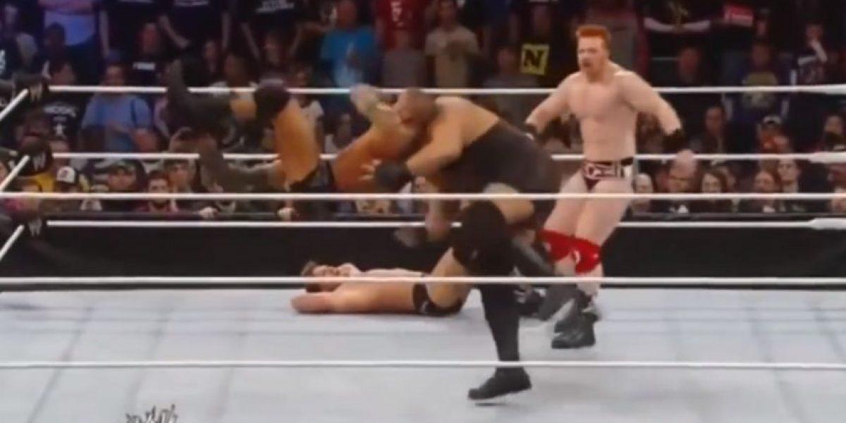 Video: Jugador festeja su gol con una de las llaves más temidas de la WWE