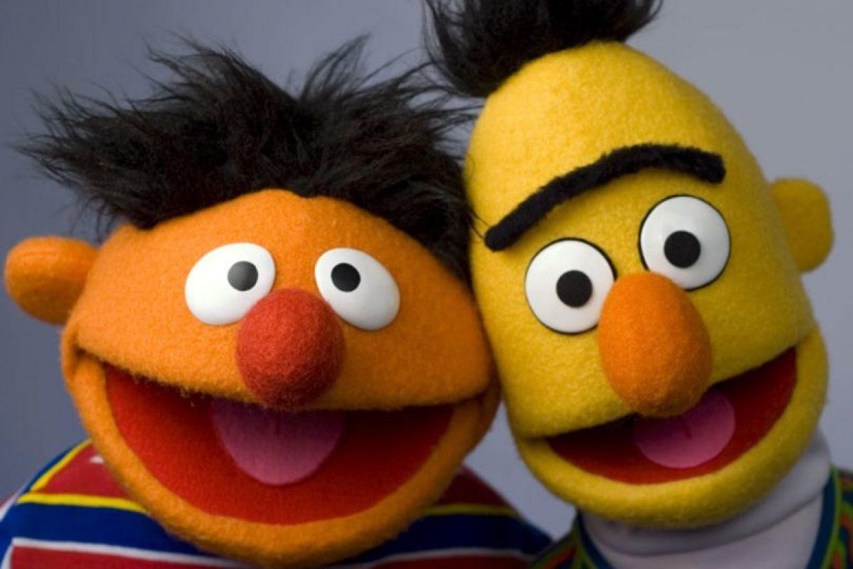 """Beto y Enrique: Por años se ha rumoreado que son una pareja dispareja. Incluso """"The New Yorker"""" los proclamó como íconos gay en la lucha por los derechos de los homosexuales. Foto:PBS. Imagen Por:"""
