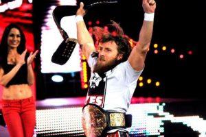Y ambos gritaron el popular ¡yes, yes, yes! Foto:WWE. Imagen Por: