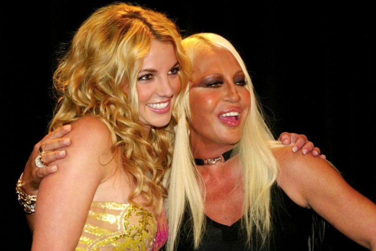 En 2013, con Britney Spears, en el lanzamiento de su colección primavera/verano Foto:Vogue. Imagen Por: