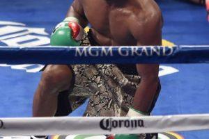 A sus 37 años sigue invicto con un récord de 47 peleas ganadas y 0 perdidas Foto:Getty. Imagen Por: