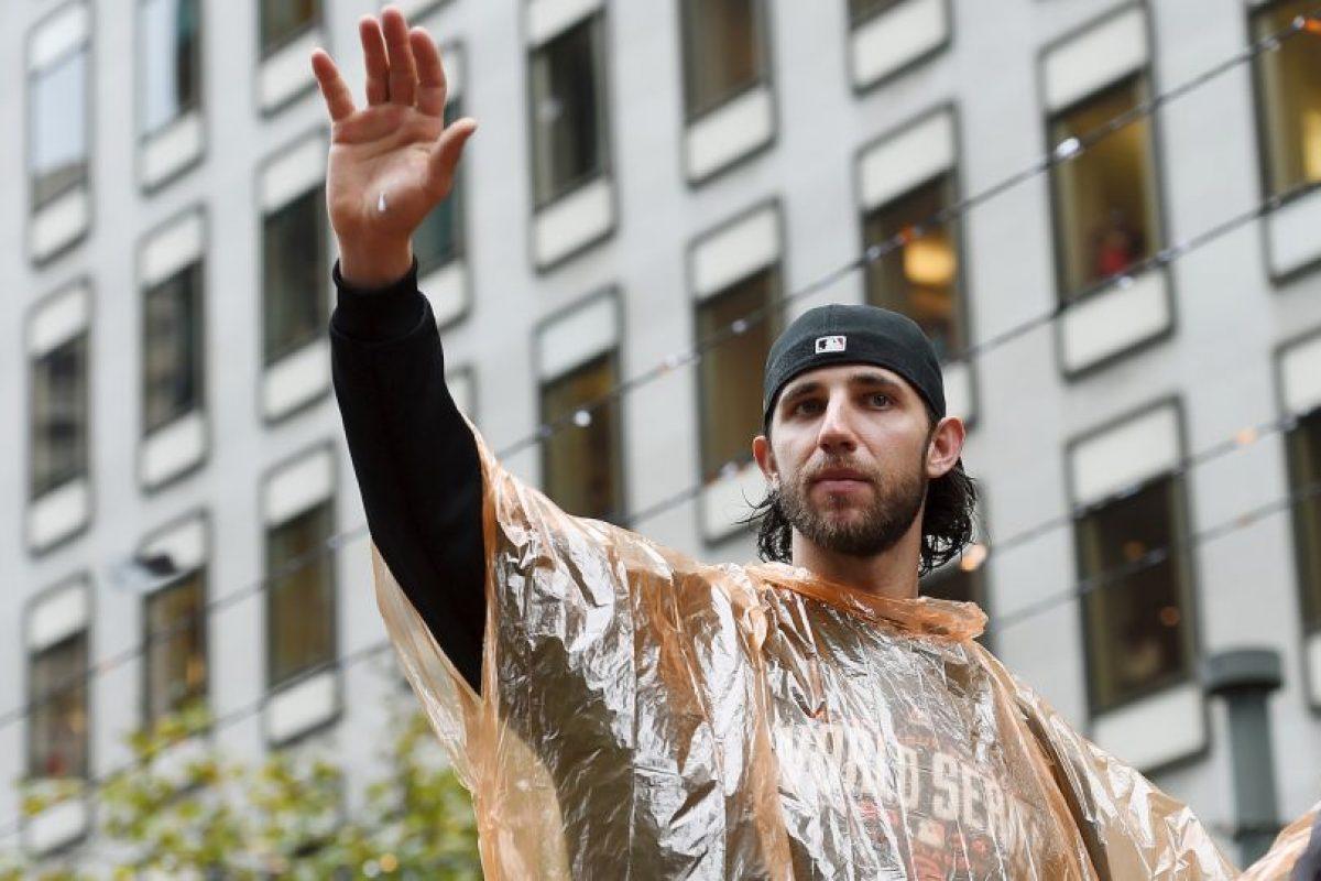 El pitcher zurdo de 25 años fue el MVP de la última Serie Mundial en la que se coronó su equipo, San Francisco Foto:Getty. Imagen Por: