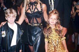 Con sus hijos, en 1992 Foto:Vogue. Imagen Por: