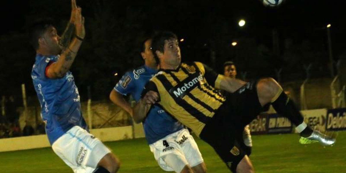 Golpes de la policía y gas pimienta contra los jugadores de Temperley en Argentina