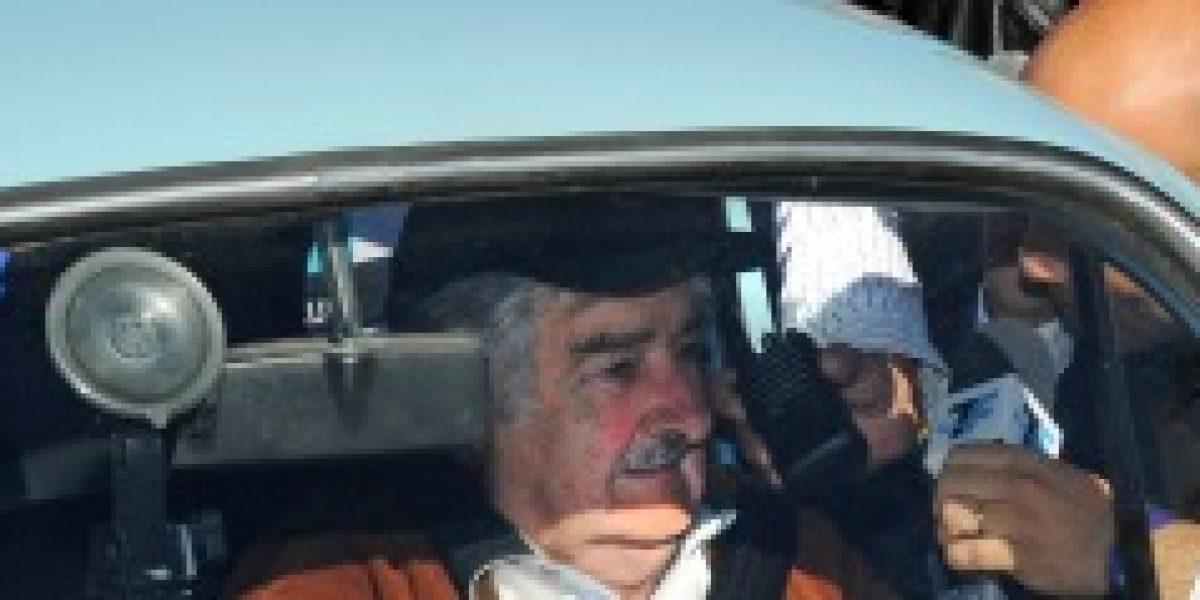 Jeque árabe hace millonaria oferta por viejo auto de Pepe Mujica