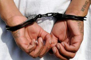 2. Se indicó que 10 mil personas podrían ser elegibles para salir en libertad. Foto:Getty. Imagen Por:
