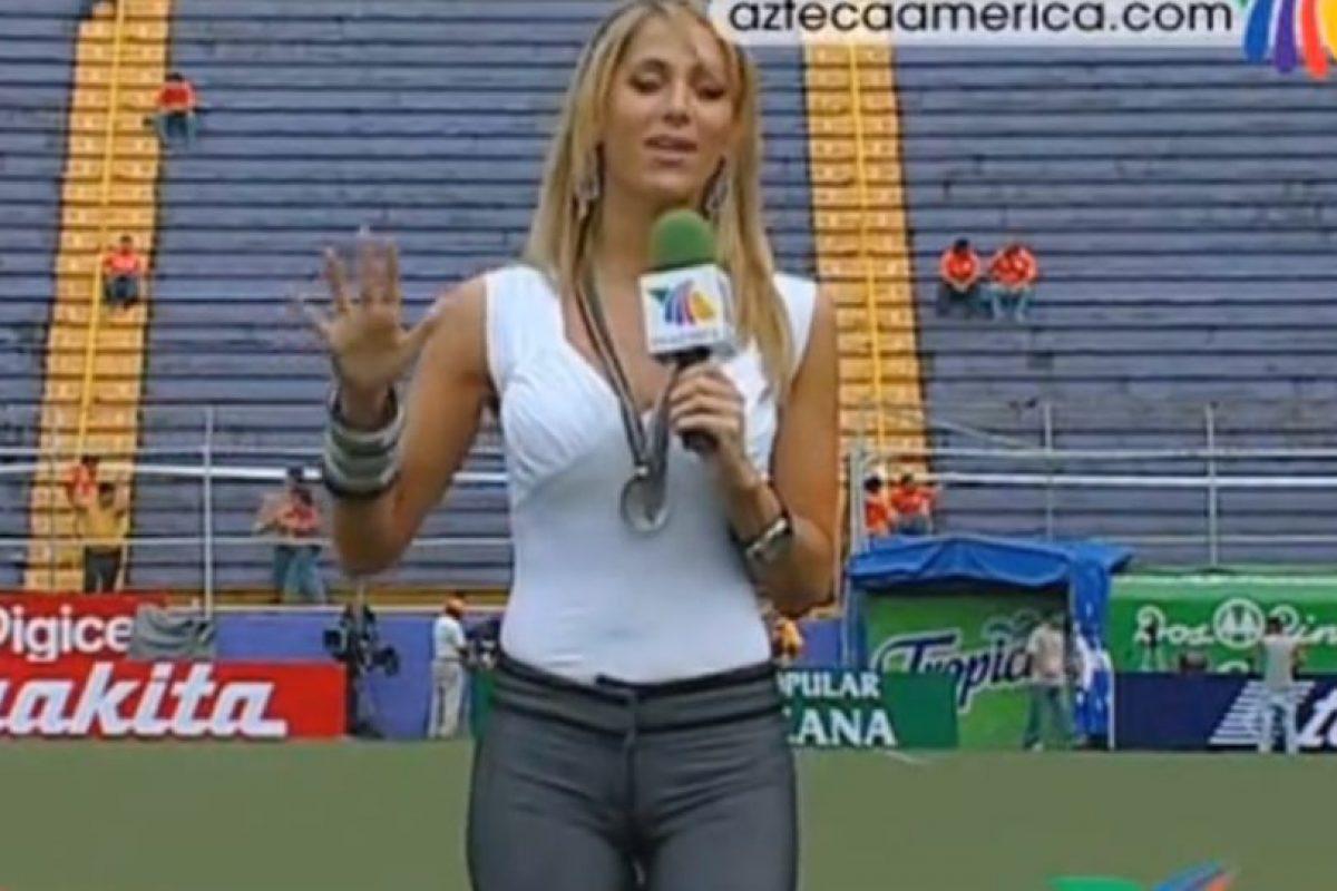 Durante una transmisión en 2009 Foto:Youtube: TV Azteca. Imagen Por: