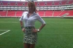 Según la reportera los jugadores del equipo de la NFL la incomodaron mientras esperaba a Sánchez en el vestidor del equipo Foto:Twitter: @InesSainzG. Imagen Por: