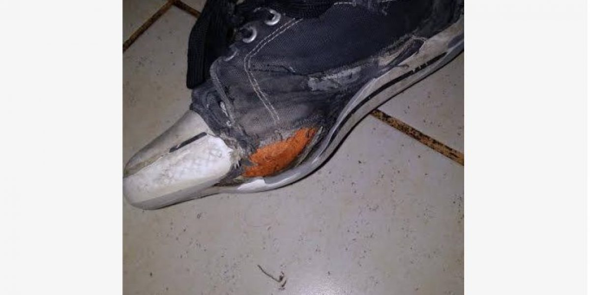 """Profesor pidió por Facebook zapatillas nuevas para un alumno y recibió """"una tonelada de ayuda"""""""