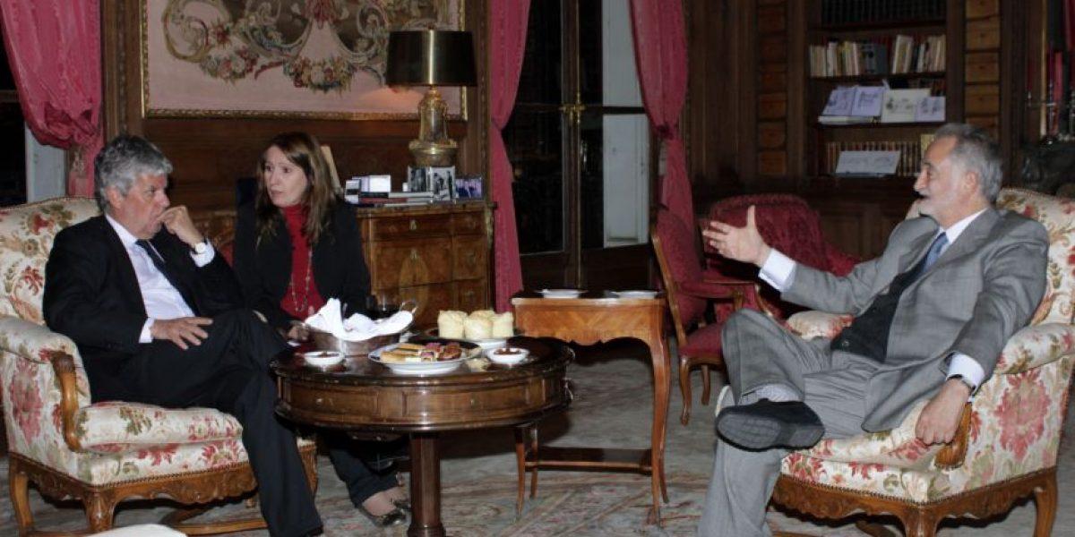 Ministra de Educación francesa a Nicolás Eyzaguirre: