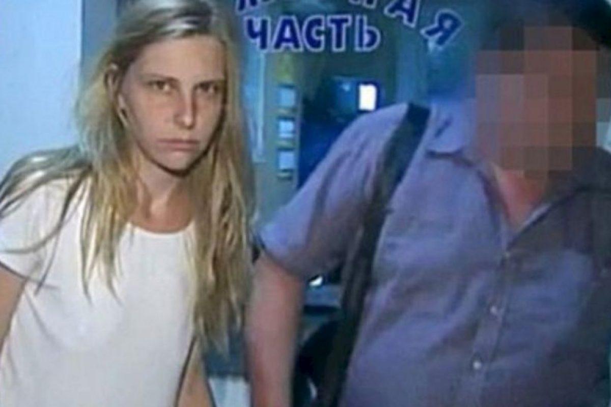 """Galina Ryabkova: Lanzó a sus hijos del decimoquinto piso porque """"estaba harta de ellos"""". Apenas la interrogó la policía, confesó. Se cree que sufría de problemas financieros, y por eso los habría asesinado. Foto: Murderpedia.. Imagen Por:"""