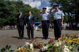 También se rindieron honores a las víctimas. Foto:Getty Images. Imagen Por: