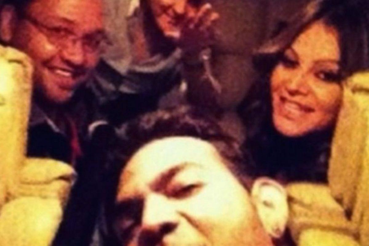 La cantante mexicana Jenni Rivera se tomó este selfie en el avión que después se estrellaría. Foto:Vía Igmur. Imagen Por: