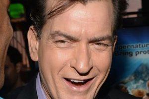 Charlie Sheen tiene un largo historial de violencia contra sus parejas Foto:Getty. Imagen Por: