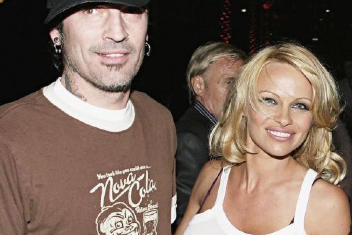Tommy Lee pasó unos meses en prisión tras confesar que había golpeado a Pamela Anderson Foto:Getty. Imagen Por: