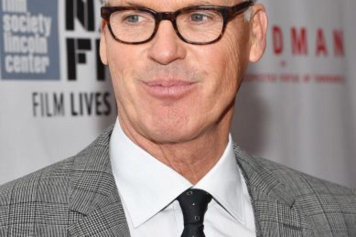 Michael Keaton es la voz del juguete vanidoso que se enamora de barbie. Foto:Getty Images. Imagen Por: