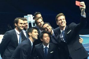 Así se tomaron el selfie. Foto:twitter.com/ATPWorldTour. Imagen Por: