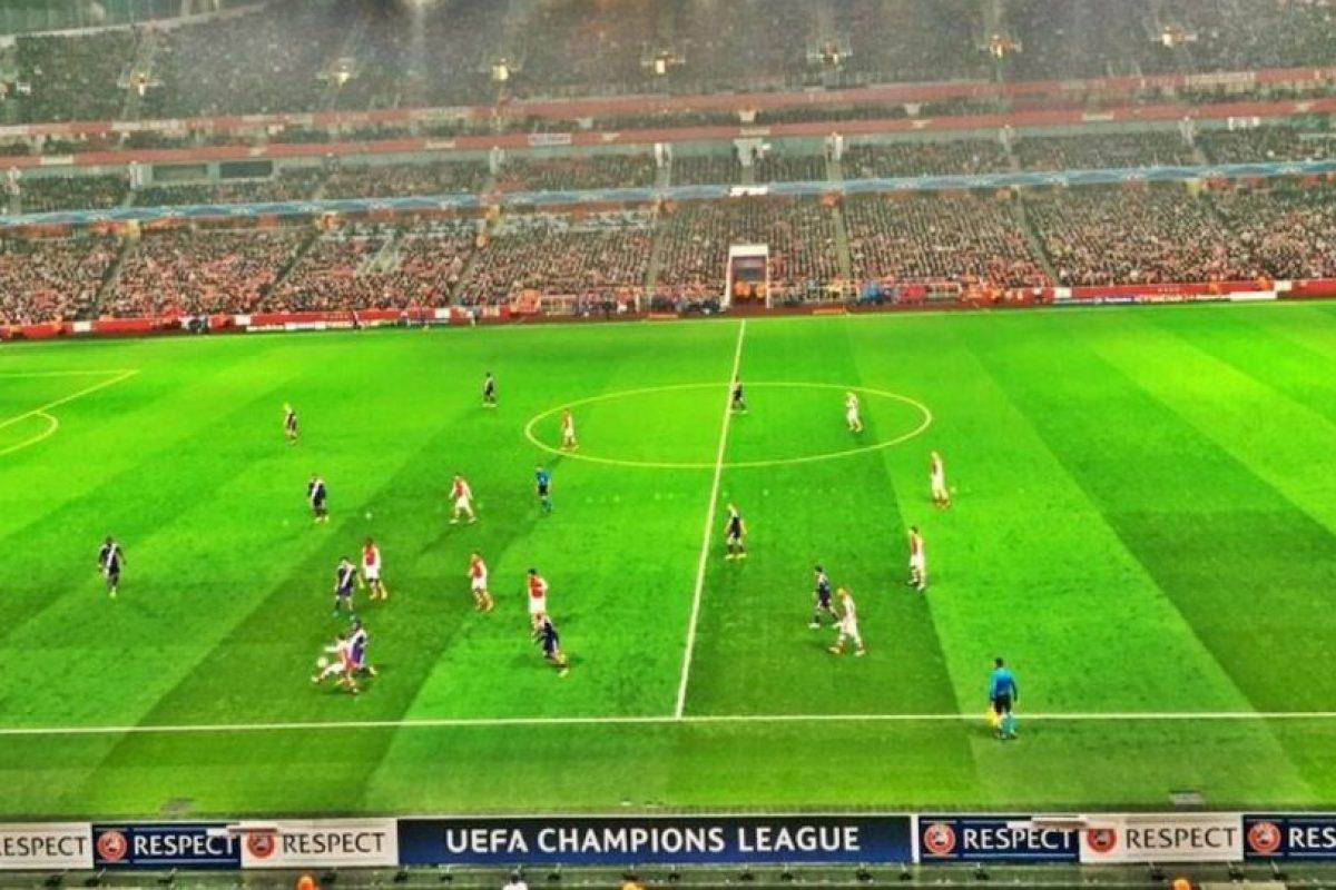 Roger también fue a ver al Arsenal en un partido de la UEFA Champions League. Foto:twitter.com/rogerfederer. Imagen Por: