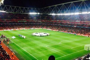Stanilas Wawrinka también fue al encuentro del Arsenal junto a unos amigos. Foto:twitter.com/stanwawrinka. Imagen Por: