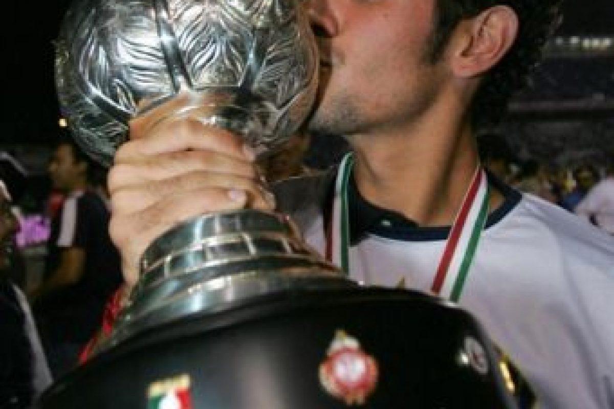 Hugo jugó en la Primera división del fútbol mexicano con los Pumas de la UNAM y el Atlante. Foto:vía Twitter. Imagen Por: