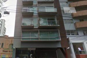 El edificio donde fue encontrado sin vida Hugo Sánchez Portugal. Foto:Google Maps. Imagen Por: