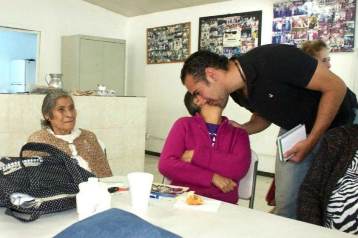Estaba al pendiente de lo que pasaba con los ciudadanos. Foto:facebook.com/pages/Hugo-Sanchez-Portugal. Imagen Por: