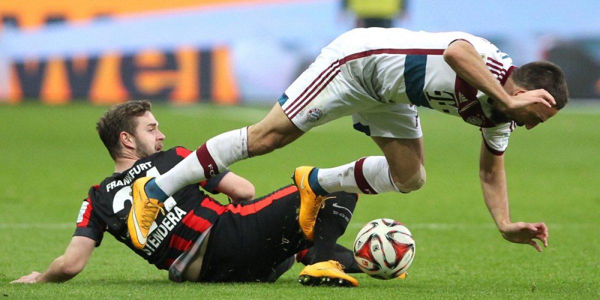 Bayern golea a Eintracht Frankfurt con triplete de Thomas Müller