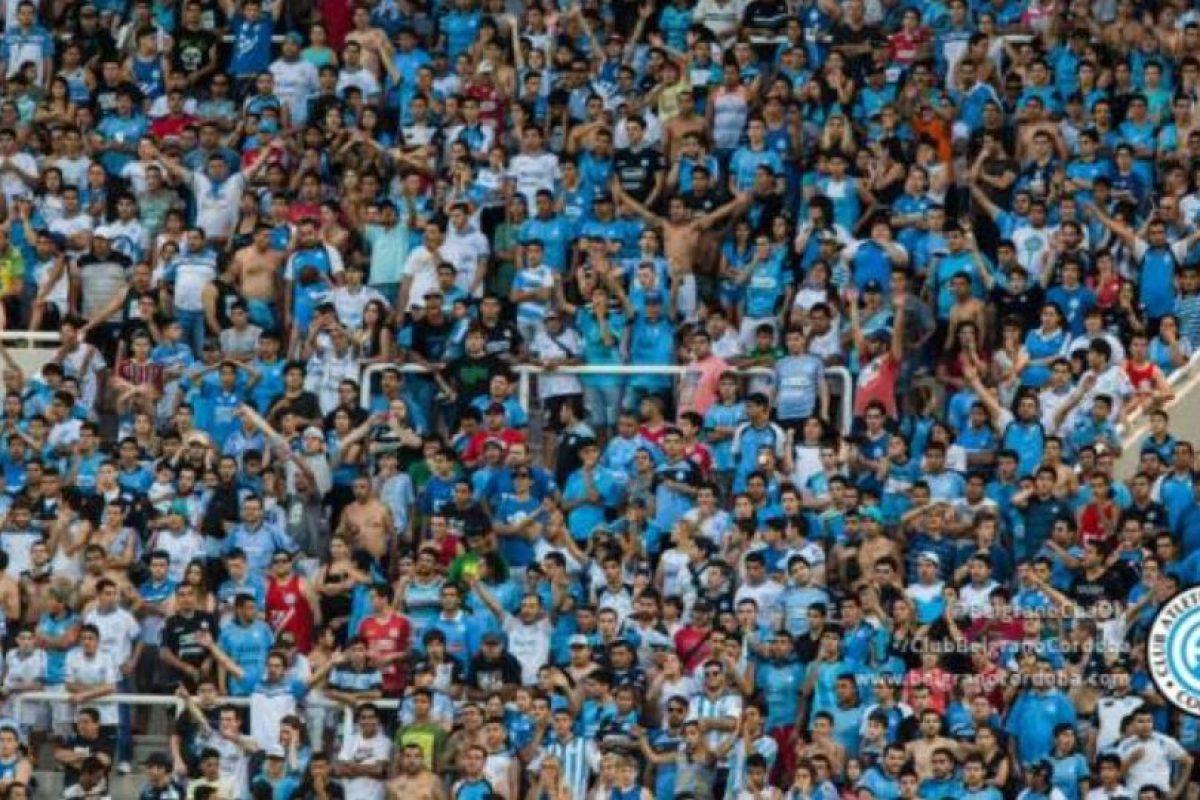 La hinchada del Belgrano en el encuentro de este sábado. Foto:twitter.com/BelgranoCbaOk. Imagen Por: