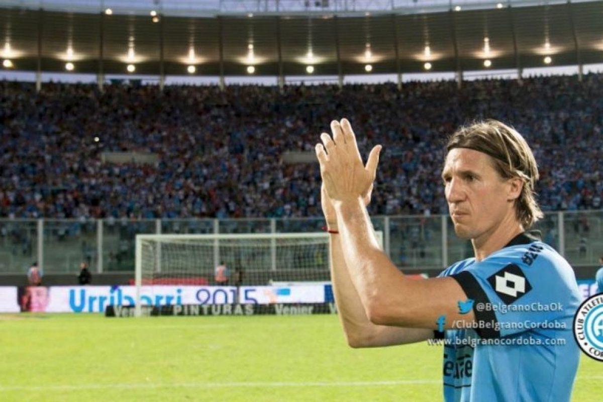 Los jugadores aplaudieron en forma de homenaje. Foto:twitter.com/BelgranoCbaOk. Imagen Por: