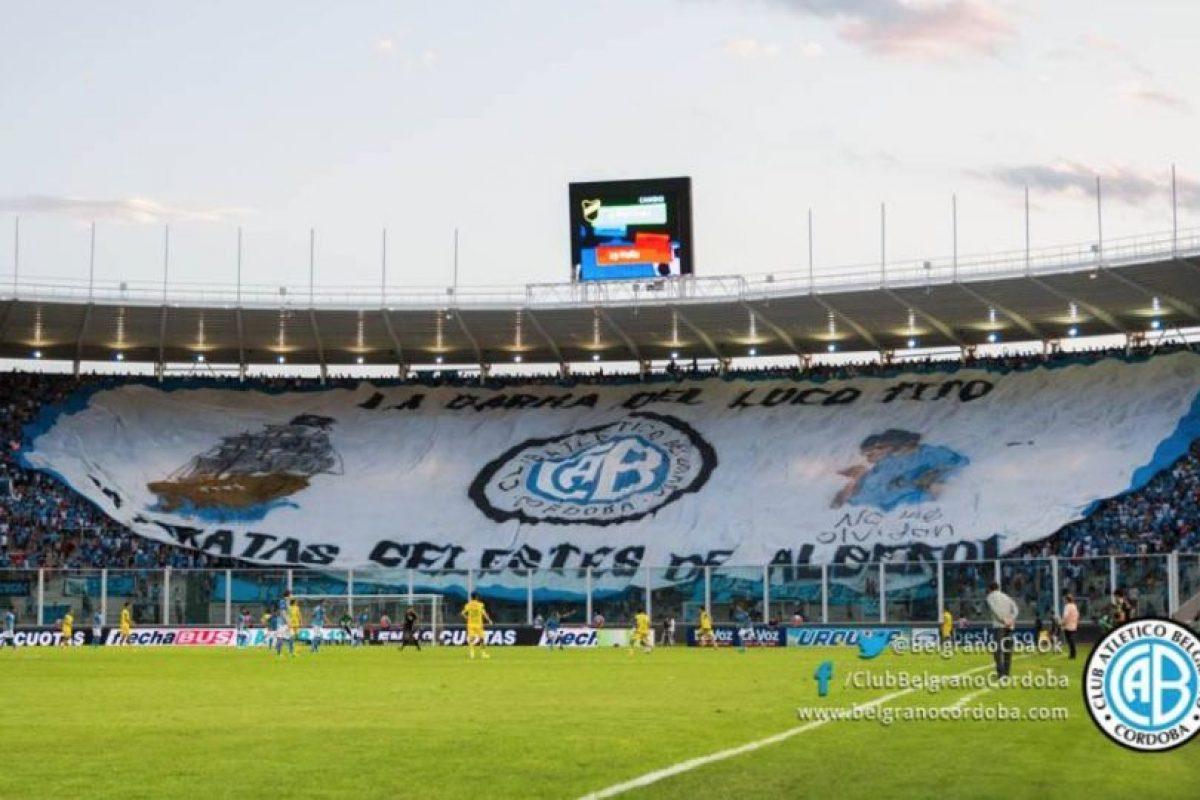 El aficionado habría caído tras el primer gol de Belgrano. Foto:facebook.com/ClubBelgranoCordoba. Imagen Por: