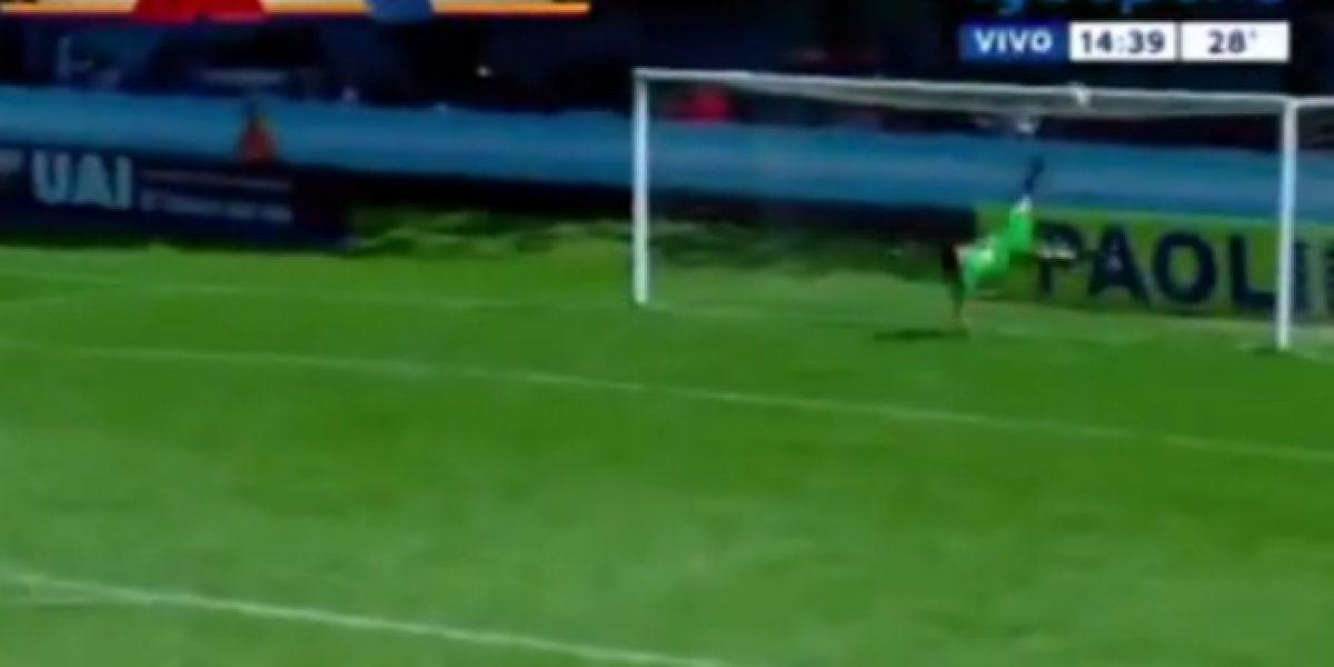 Video: ¡La atajada del año! Arquero argentino salvó de chilena un gol en contra