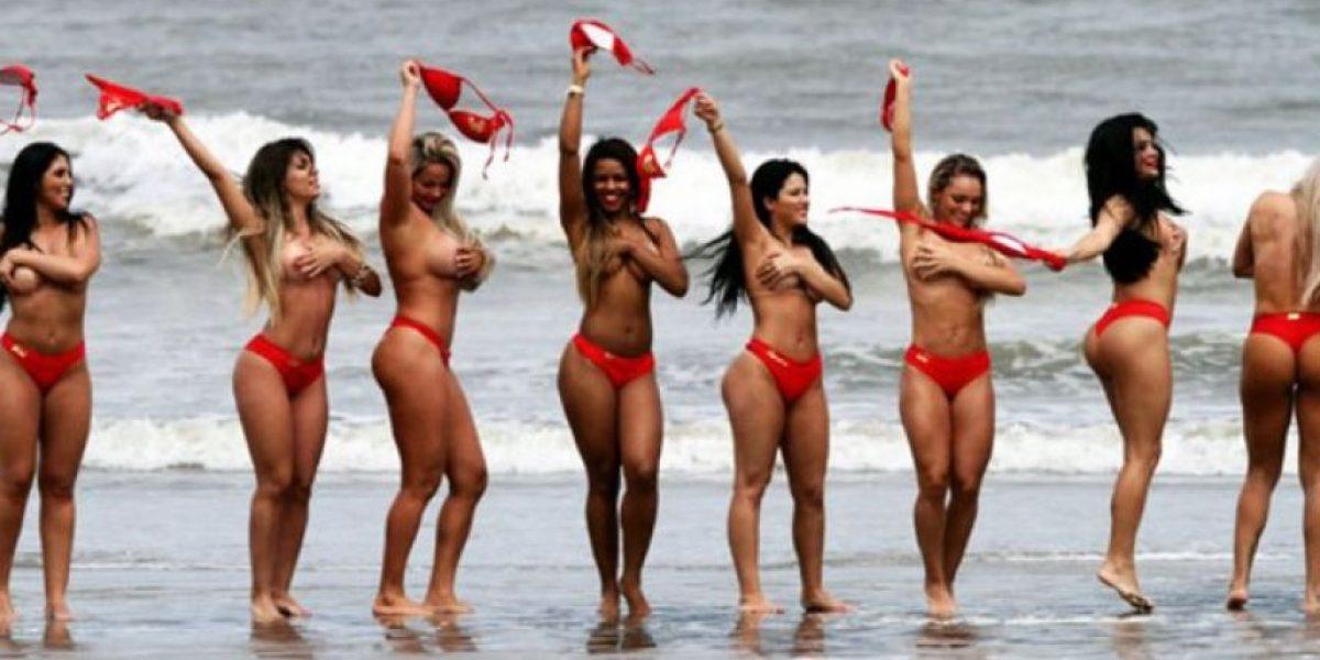 (FOTOS) Candidatas al Miss Bumbum le regalaron un topless a sus fanáticos