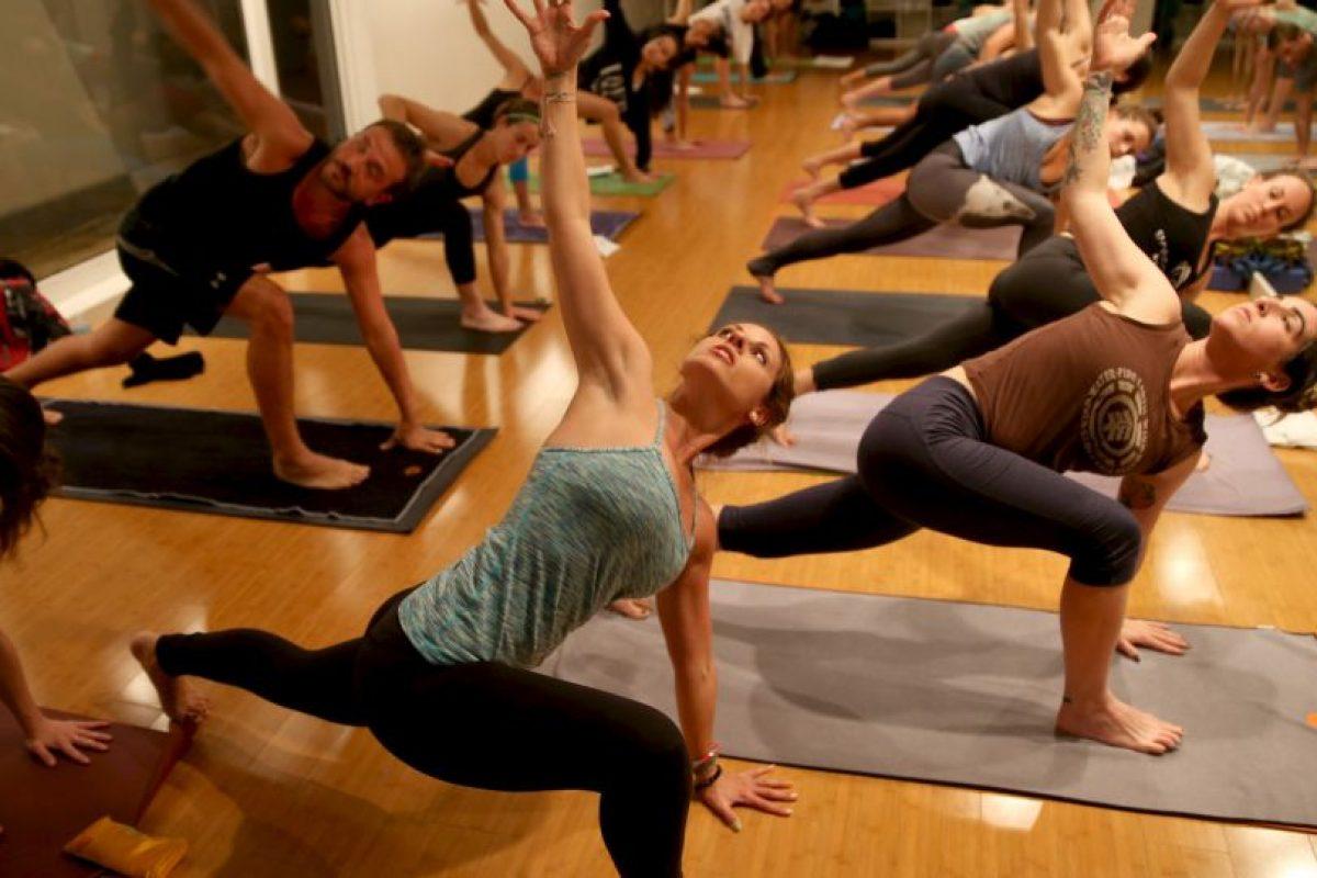 El yoga debe practicarse con un profesional. Foto:Getty Images. Imagen Por:
