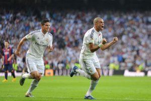 James celebra el gol de Pepe ante el Barcelona. Foto:Getty Images. Imagen Por: