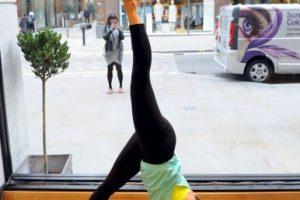 El yoga es practicado en todo el mundo. Foto:Getty Images. Imagen Por:
