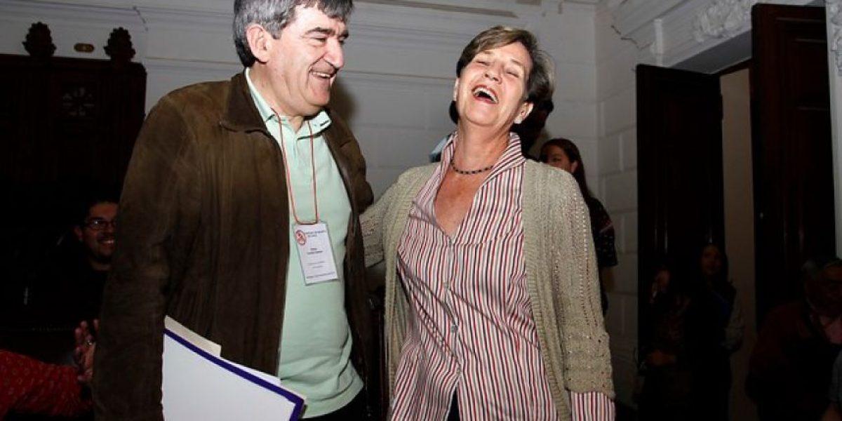 Isabel Allende confirma su candidatura a presidencia del PS y competirá con Camilo Escalona
